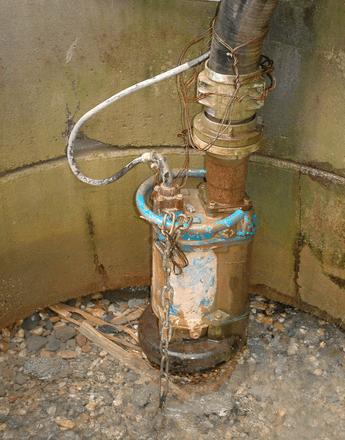 Máy bơm nước thải